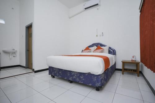 . OYO 1999 Hotel Tentrem Syariah