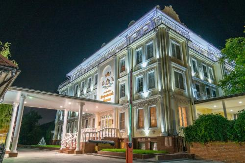 Petrovsky Prichal Luxury HotelandSPA