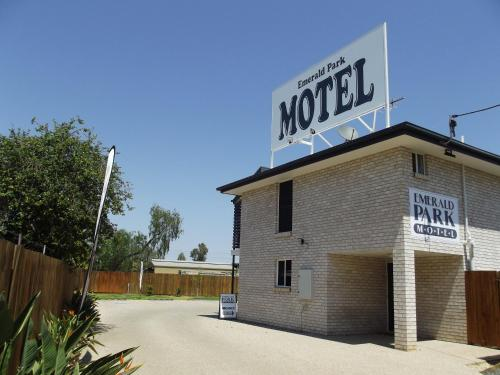 . Emerald Park Motel