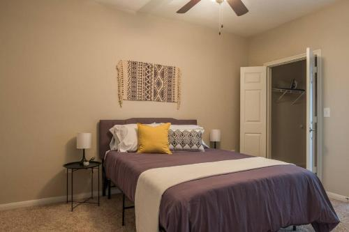Frontdesk Midtown Arbor Place Apts Houston, TX - image 3