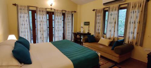 . Bandhavgarh Jungle Lodge