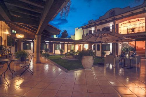 . Hotel María