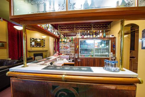 Victoria Railway Hotel - Invercargill