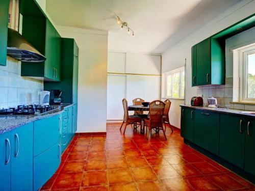 Hotel-overnachting met je hond in Villa Fazenda - Country House Farm House in Portimao with 4 bedrooms sleeps 10 AC - Lagos