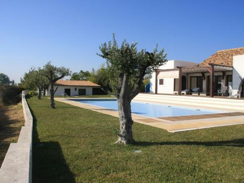 Villa Oasis Azul - beautiful villa with heated private pool short walk to all amenities