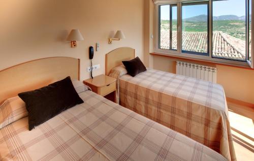 . Hotel Villa de Ayerbe