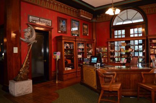 1886 Crescent Hotel & Spa - Eureka Springs, AR 72632