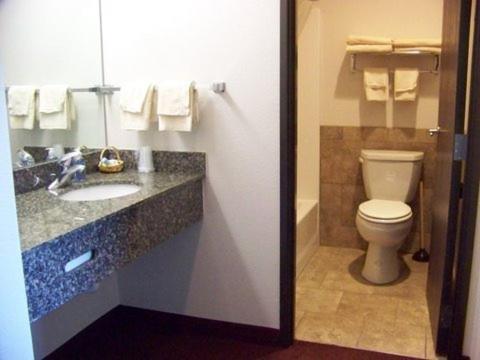 North Park Inn & Suites - Walden, CO 80480