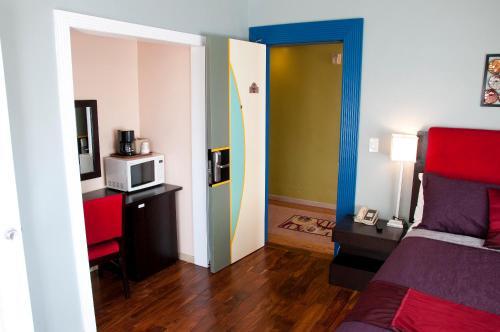 Ponce De Leon Hotel - St Petersburg, FL 33701