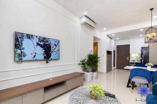 iHome Furnished Apartments w/ Free Gym & Pool, Free Airport Pick-Up, Phú Nhuận