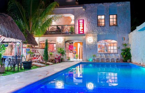 . Hotel Mayahau Coba