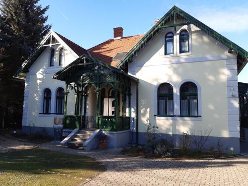 . Szalay Villa
