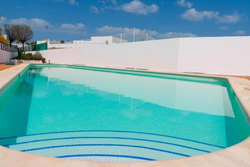 Hotel-overnachting met je hond in 15min walk to Cabanas center, Pool, Wifi, Bbq and air-conditioning - Faro