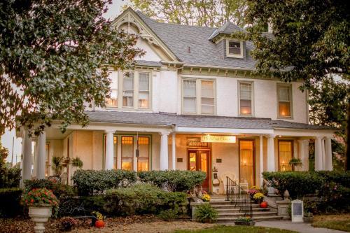Magnolia House Inn