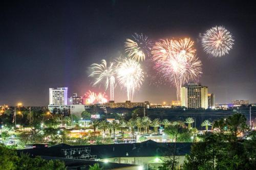 Crowne Plaza Orlando - Lake Buena Vista - Lake Buena Vista, FL 32836 FL