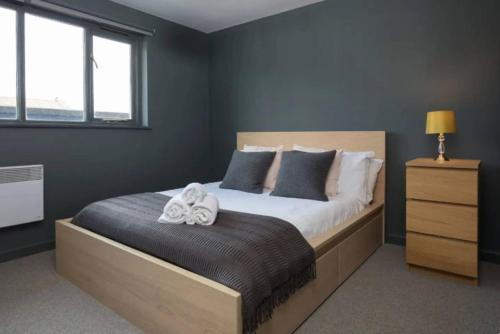 Picture of Contemporary 2 Bedroom Midland Mews Apartment