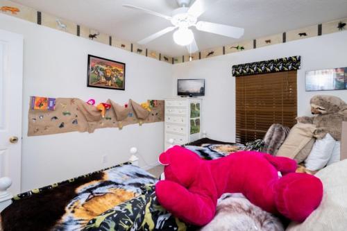 907 Reserve Place Home - image 3