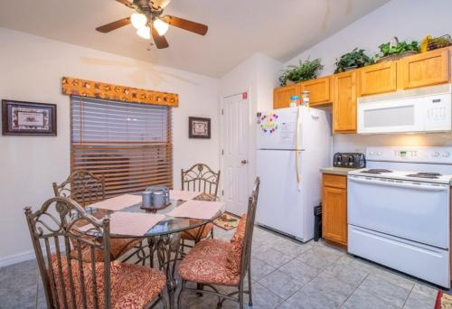 907 Reserve Place Home - image 6