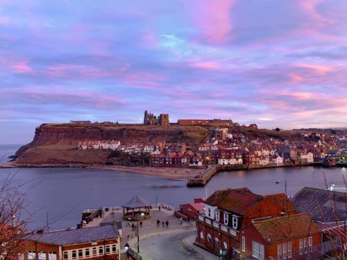 Freyr In Whitby United Kingdom Reviews Prices Planet Of Hotels Period stone cottage occupying a corner plot with flexible 3 / 4 bedroom accommodation including annex, commanding fabulous views over open. planetofhotels