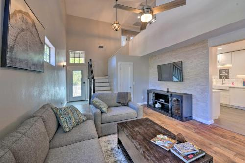 Modern Flagstaff Home with BBQ, Walk Downtown!