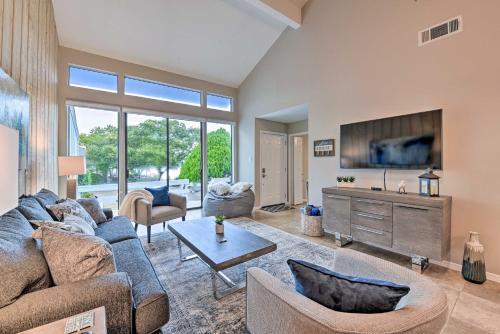 Renovated Montgomery Condo on Lake - Boat & Fish! - Apartment - Montgomery