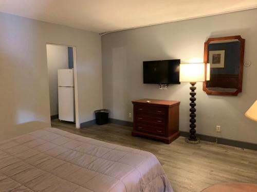 City Center Motel - Photo 2 of 20