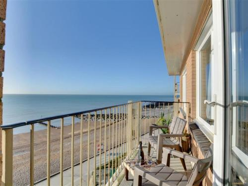 . Cosy apartment near Brighton with seaview