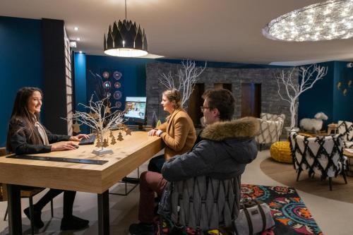 Montana Plein Sud Apartments - Val Thorens