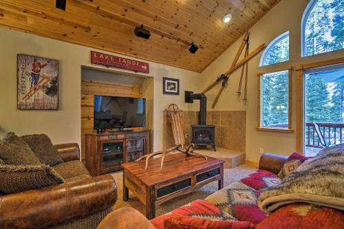 Custom Tahoe Cabin 5 Minutes From Homewood Resort! - Hotel - Tahoma