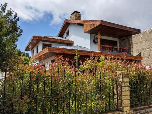 Citizen Kane Lodge   Bed, Breakfast & Dinner - Accommodation - San Carlos de Bariloche