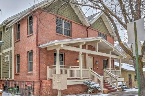 Cozy Central Glenwood Springs Condo with 2 Decks! - Apartment - Glenwood Springs