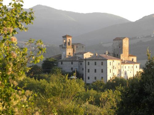 Castello Izzalini Todi Resort