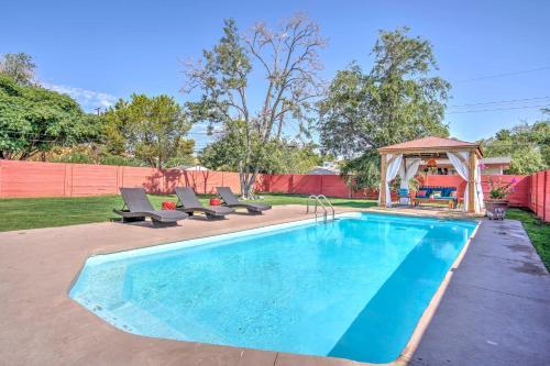 Vintage Las Vegas House with Pool - Near The Strip!