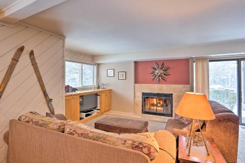 Condo with Fireplace Less Than 2 Mi to Sun Valley Resort - Apartment - Sun Valley