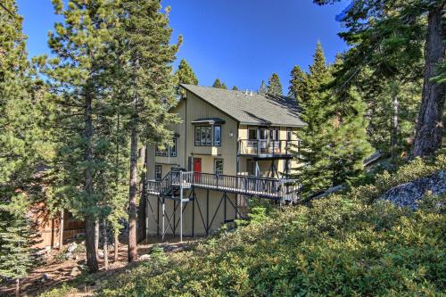 Rustic-Chic Heavenly Condo with On-Site Hiking! Main image 2