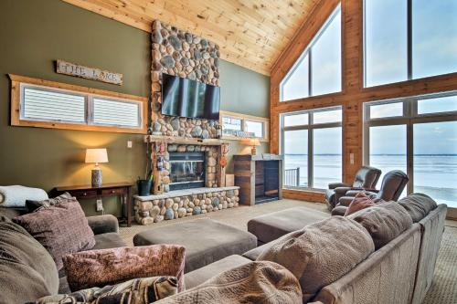 Family-Friendly Lake Mitchell Outdoors Escape - Hotel - Cadillac