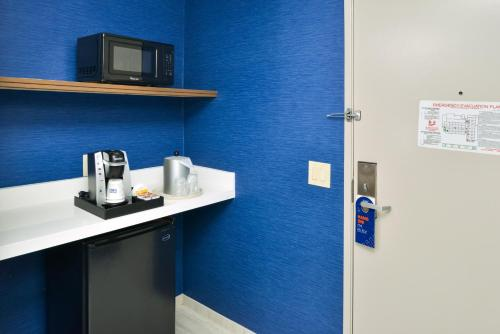 Holiday Inn Express Los Angeles Downtown West, an IHG Hotel - image 4