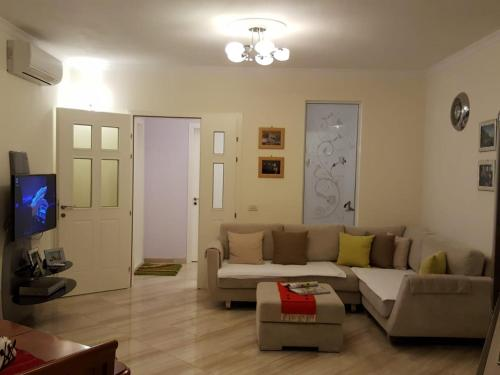. Holiday Center Apartment
