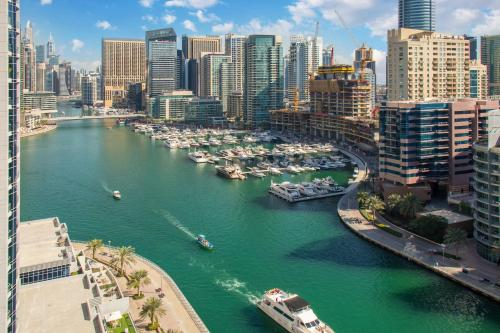 FAM Living - Sparkle Tower - Marina View