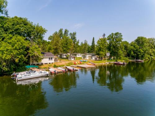 Trent River Cottages - Hotel - Hastings
