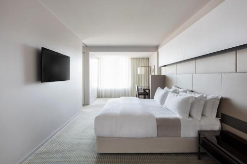 Hotel Realm - Canberra