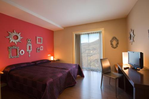 Double or Twin Room with Terrace Luces del Poniente 16