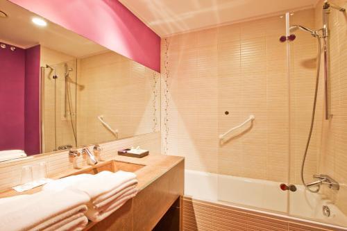 Doppel-/Zweibettzimmer mit eigener Terrasse Luces del Poniente 5
