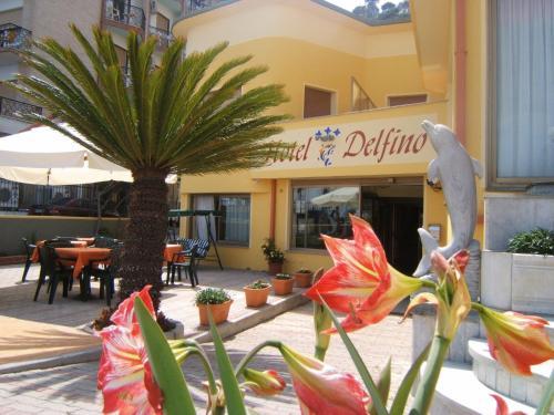 . Hotel Delfino