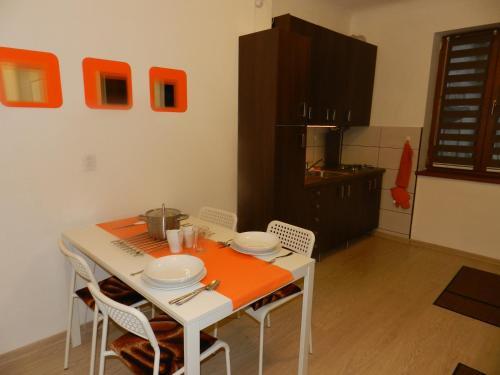 Studio S. - Apartment - Brașov