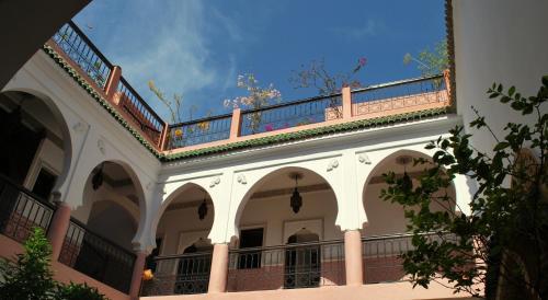 Фото отеля Riad Bousskri