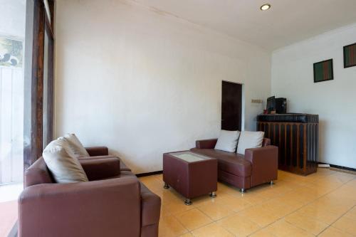 OYO 2454 Wanawiyata Residence, Sleman