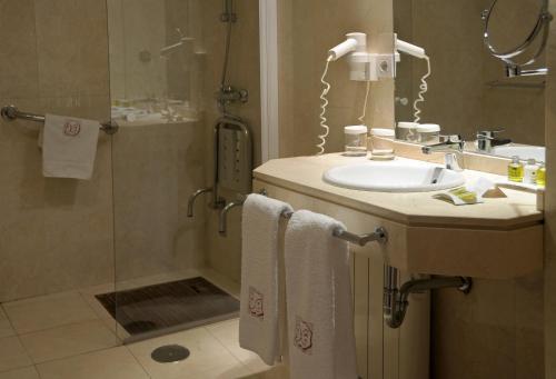 Comfort Doppelzimmer Hotel Puerta de la Luna 12
