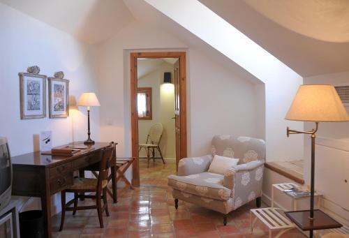 Double Room (2 Adults + 1 Child ) Hotel Puerta de la Luna 8