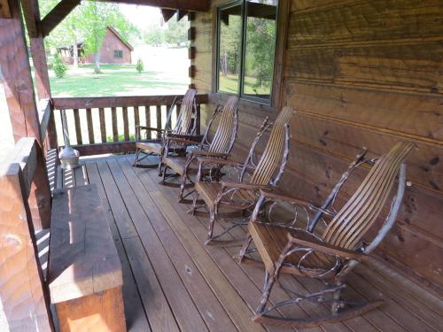 Southern Comfort Lakeside Cabin Resort - Hotel - Nellysford
